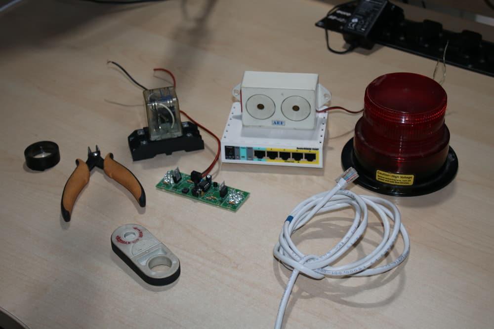 Mikrotik netwatch alarm